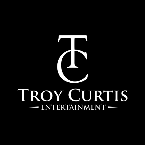 Troy Curtis